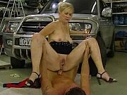 Milf gets fucked in parking garage