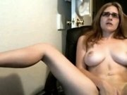 Girl watches cams and plays with pussy till cums